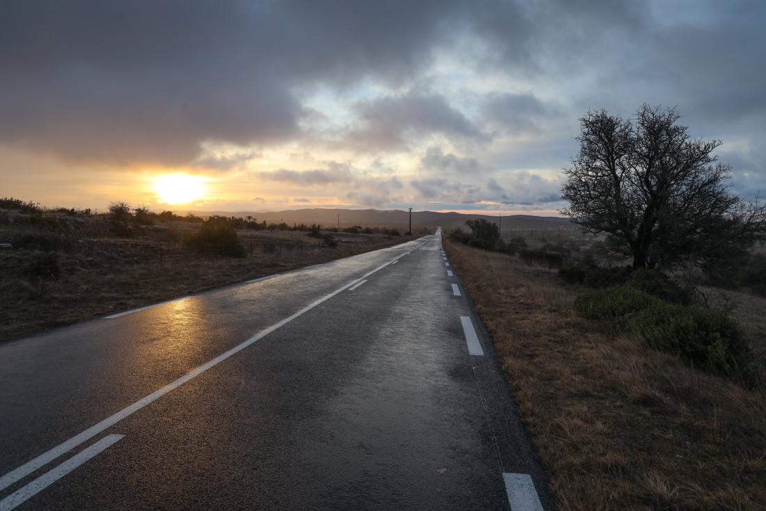 La route du lac, Hérault, France
