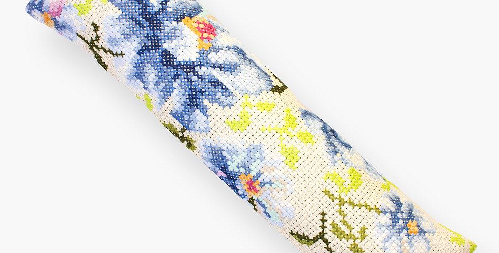 PB 154 Blue flowers   Cross Stitch Kit