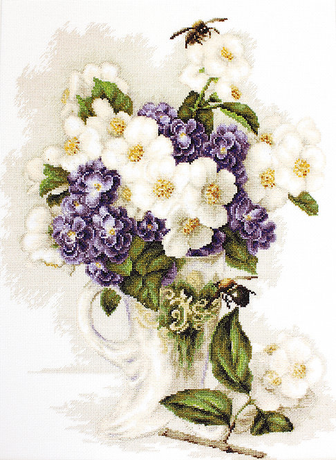 B512 Vase with jasmine