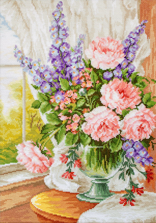 BU4016 Flowers at the Window - Cross Stitch Kit Luca-S