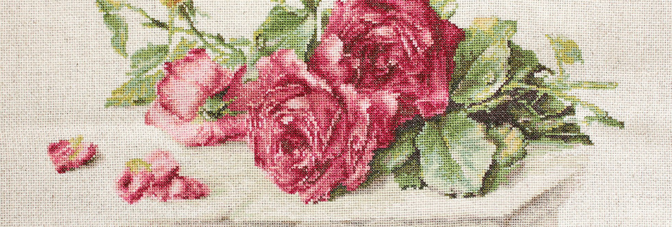BL22411 Red Roses - Cross Stitch Kit Luca-S