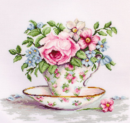 Flowers in a tea cup - Aida 16 ct.