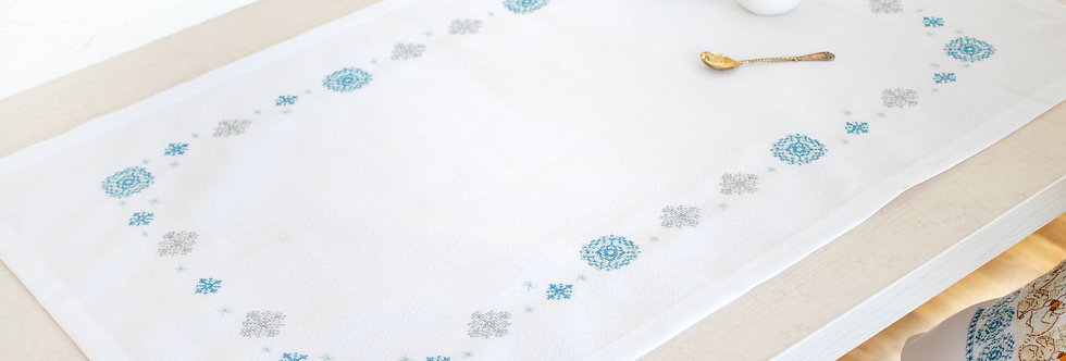 FM024 Snowflakes - Tablecloth Luca-S
