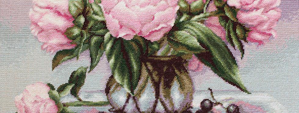 G494 Vase with pink peonies - Petit Point Kit Luca-S