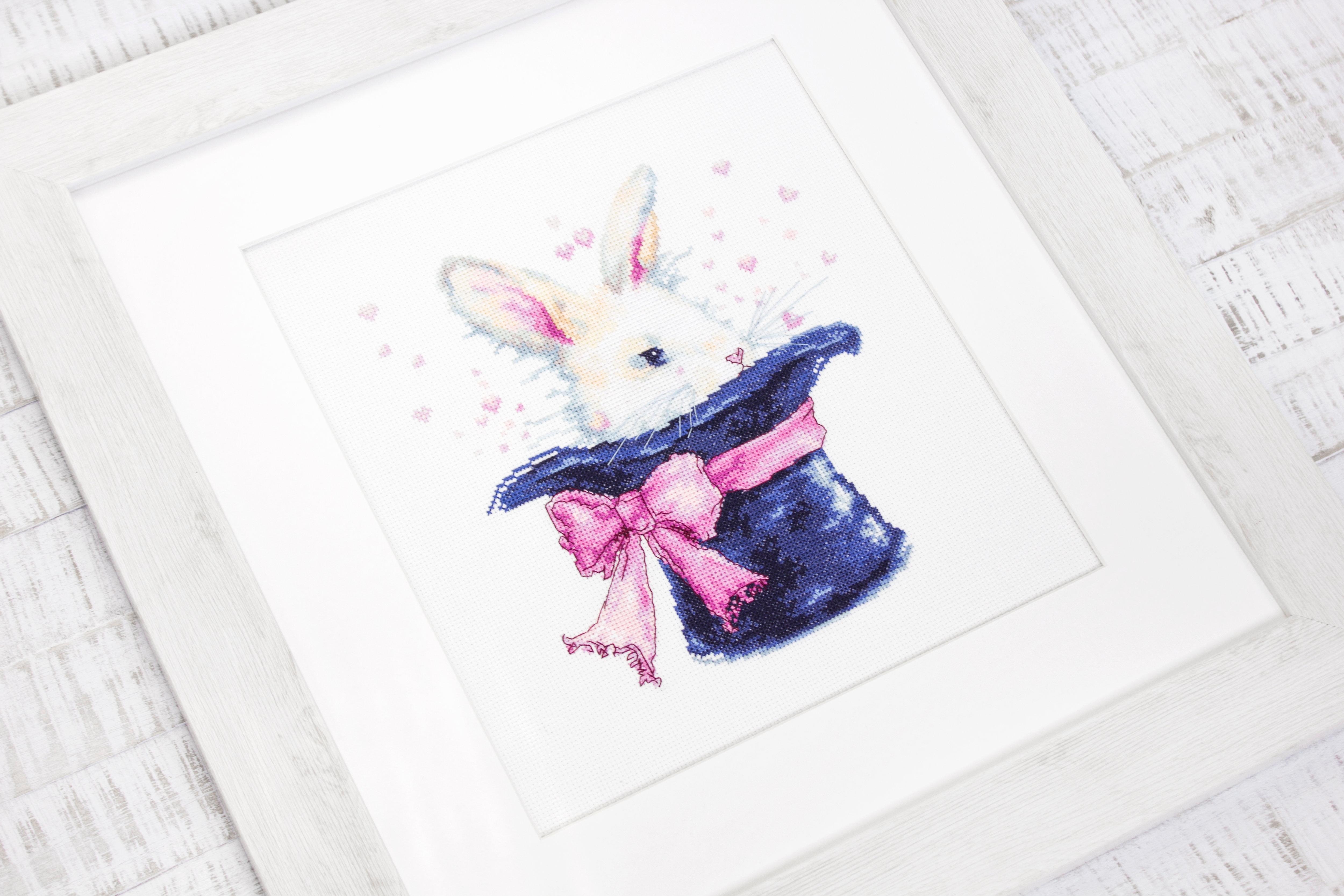 Luca-S  B2302 Rabbit \u00a9Alena Dabrynina  Cross Stitch Kit