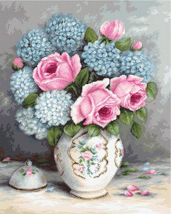 Roses and Hydrangeas - Aida 16 ct.