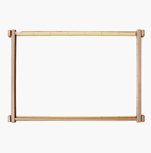 Square embroidery frame with clips