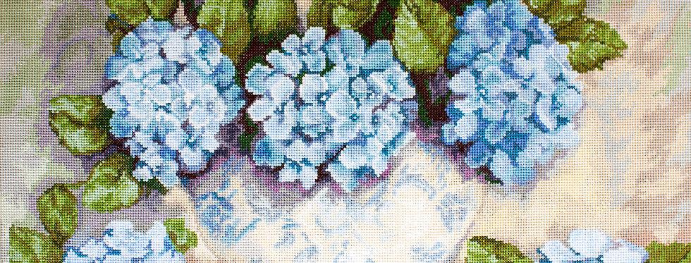 BA2328 Hydrangeas - Cross Stitch Kit Luca-S