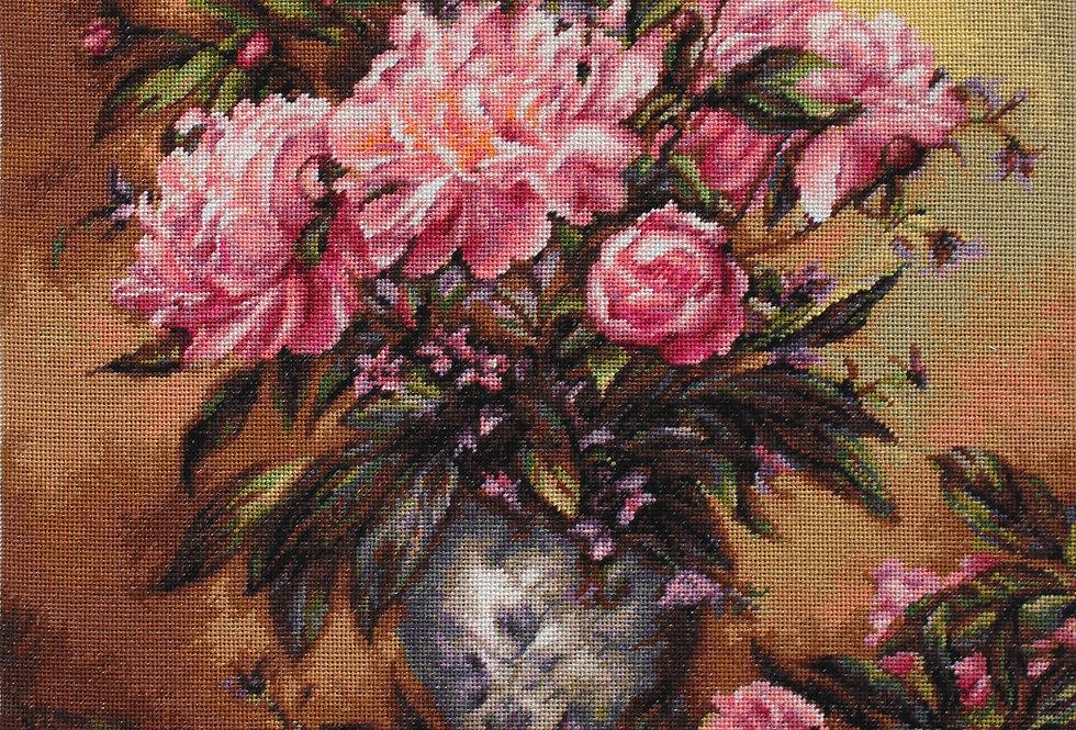 B543 Peonies Vase - Cross Stitch Kit Luca-S