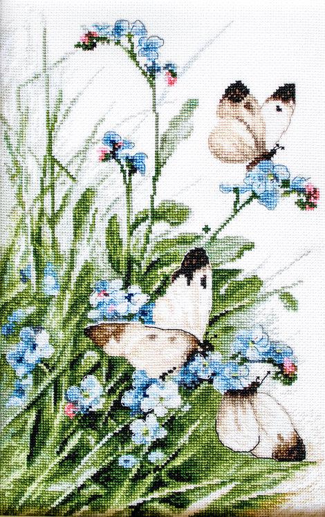 LETI 939 Butterflies and bluebird flowers - Kit de Punto de Cruz LETISTITCH
