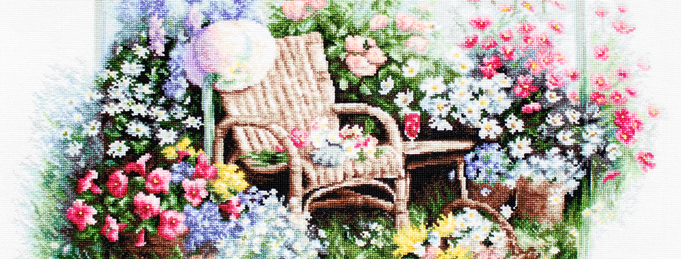 B2344 Blooming Garden - Cross Stitch Kit Luca-S