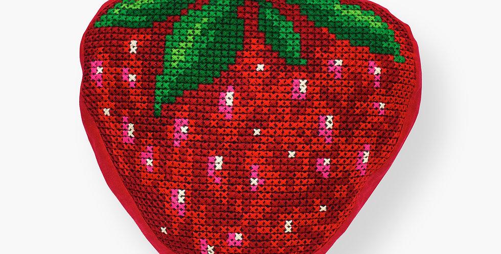PB 152 Strawberry | Cross Stitch Kit