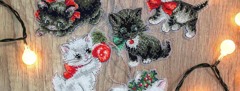 LETI 987 Christmas Kittens Toys
