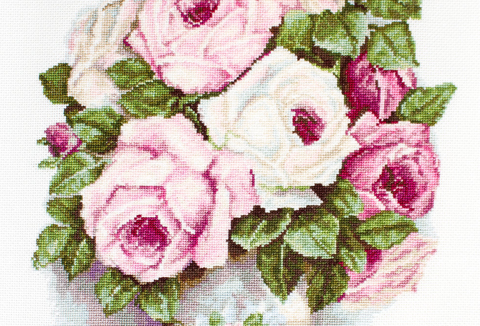 BA2329 Mixed Roses - Cross Stitch Kit Luca-S