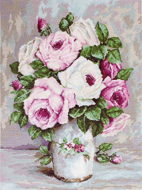 B574 Mixed Roses