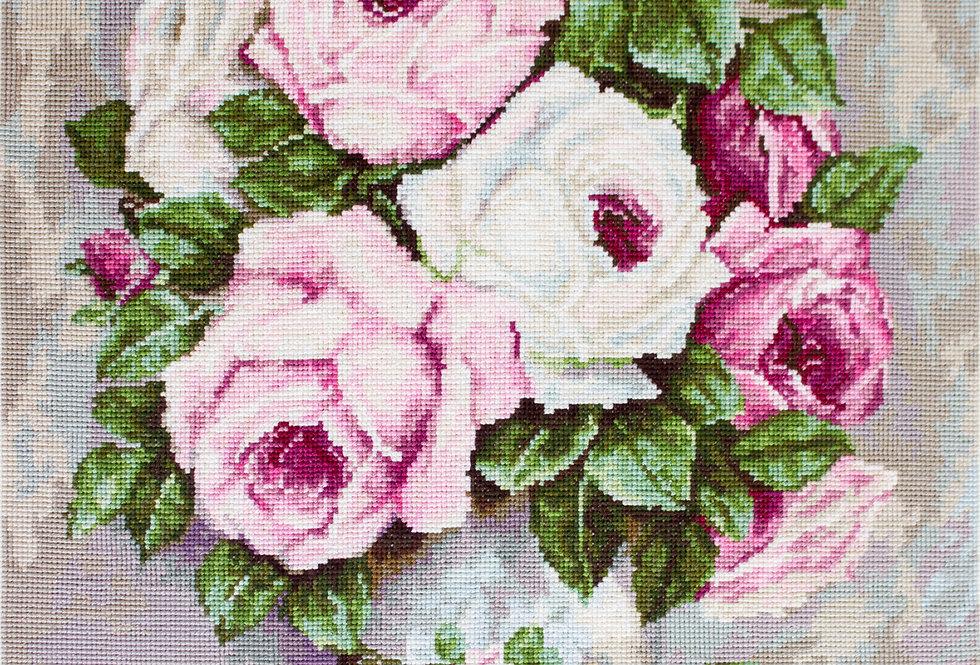B574 Roses in the vase - Cross Stitch Kit Luca-S
