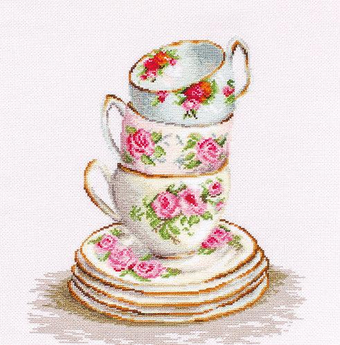 B2323 3 Stacked Tea Cups - Cross Stitch Kit Luca-S
