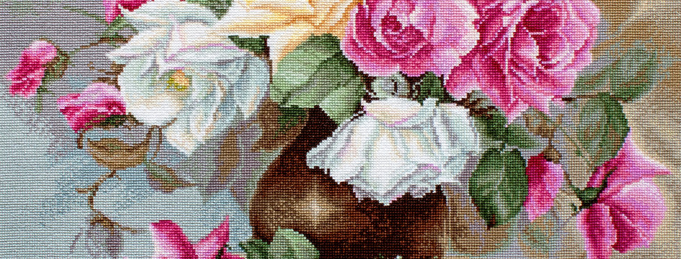 B587 Vase with Roses - Cross Stitch Kit Luca-S