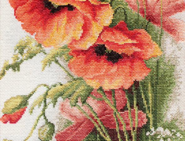 B213 Poppies - Cross Stitch Kit Luca-S