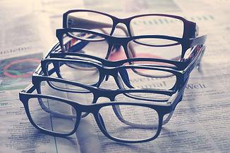 glasses-4892520_1920.jpg