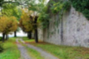 chapel-2794703_1920.jpg