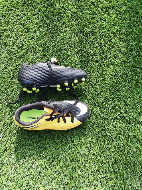 Size 3.5 boot - black and yellow