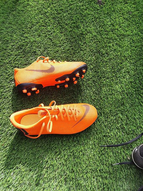 Size 5 boots - orange