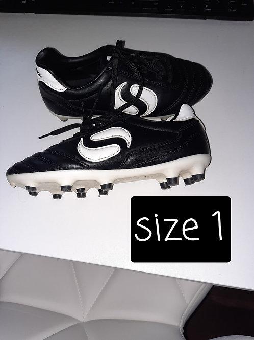 Size 1 boots - black