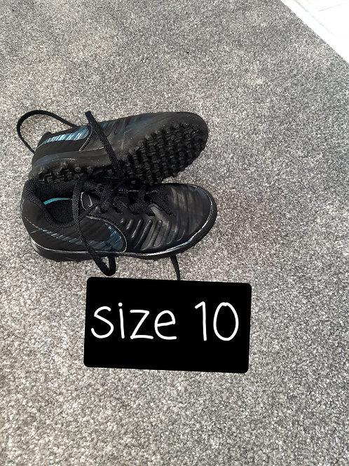 Size 10 astro - black
