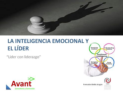 la inteligencia emocional en el líder-peón de ajedrez proyectando sombra de rey