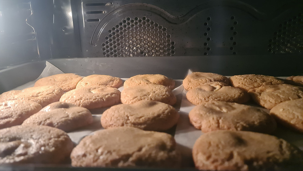 Likable Kids' Stuff   Likable Inspiration   5 Fun School Holiday Activities at Home_Baking Chocolate Chip Cookies