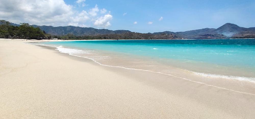 Maluk_beach_sumbawa_to_bali