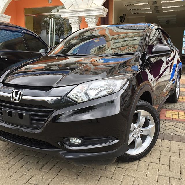 Honda HR-V with double layer ceramic coating 😎__#honda #hrv #ivtec #glasscoating #ceramiccoating #p