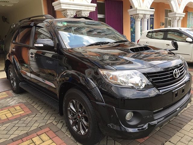Fortuner done with 9H Ceramic Coating ..