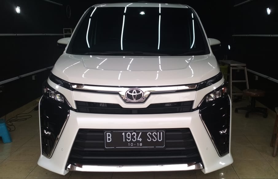 Toyota Voxy Ceramic Coating