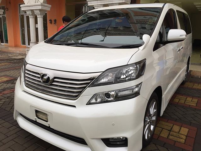 Toyota Vellfire after comprehensive detail + ceramic coating..