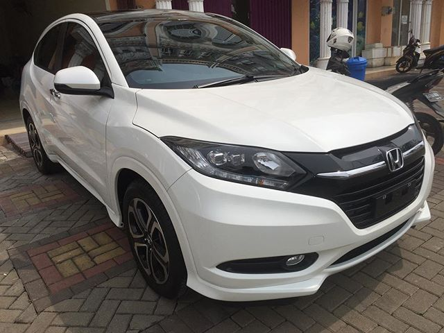Honda HR-V comprehensive treatment and protected with single layer ceramic coating.