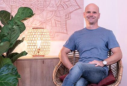 Olivier Verbist, tu terapeuta craneosacral biodinámica para recuperar el equilibrio de tu cuerpo en 'Pure Relaxation' en el centro de Barcelona.