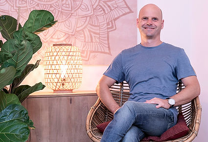 Olivier Verbist, your biodynamic craniosacral therapist at 'Pure Relaxation' in the center of Barcelona.