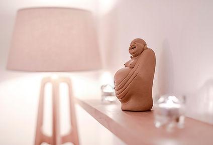 Terapia craneosacral biodinámica para recuperar el equilibrio de tu cuerpo en 'Pure Relaxation' en el centro de Barcelona.