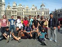 Sur la Grand Place à Bruxelles.jpg