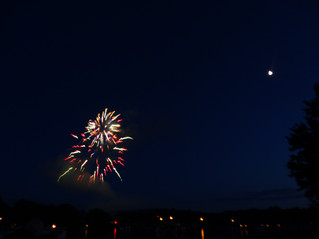 Bayles Lake - Lake Iroquois Fireworks Show July 1st