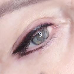 Akių vokų permanentinis makiažas