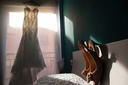 El vestido y los zapatos que has elegido con tanto cariño.