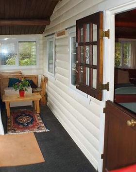 y-ffrwd-veranda.jpg