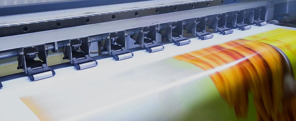 Format-large-inkjet-printer-working-on-v