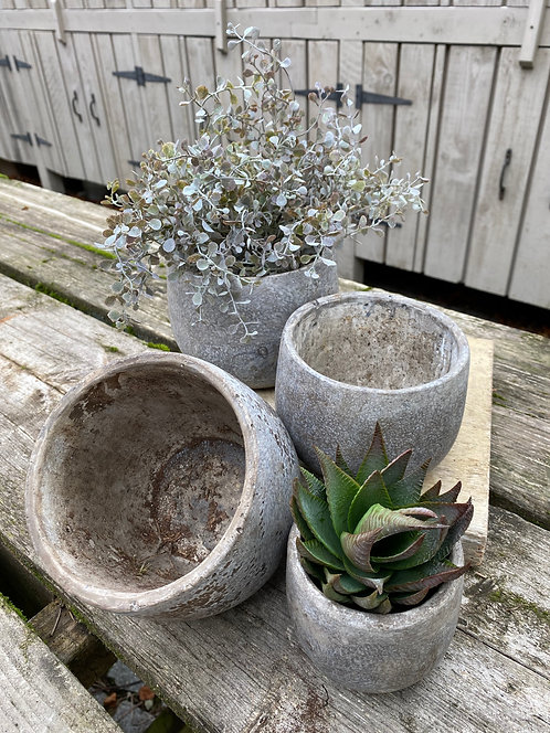 SMOOTH FINISH CONCRETE POTS