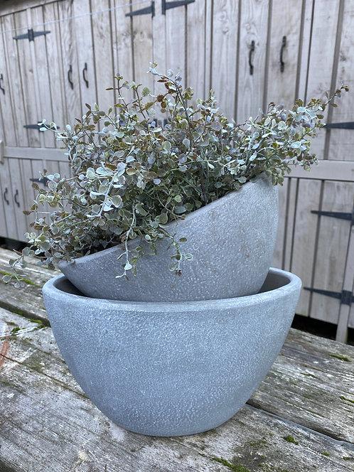 Oval concrete pot