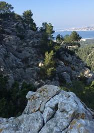 Massif de Marseilleveyre vu sur la bonne mère