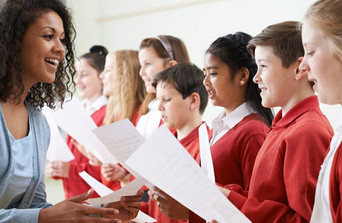 Drama-teacher-schools-children-music-gcs